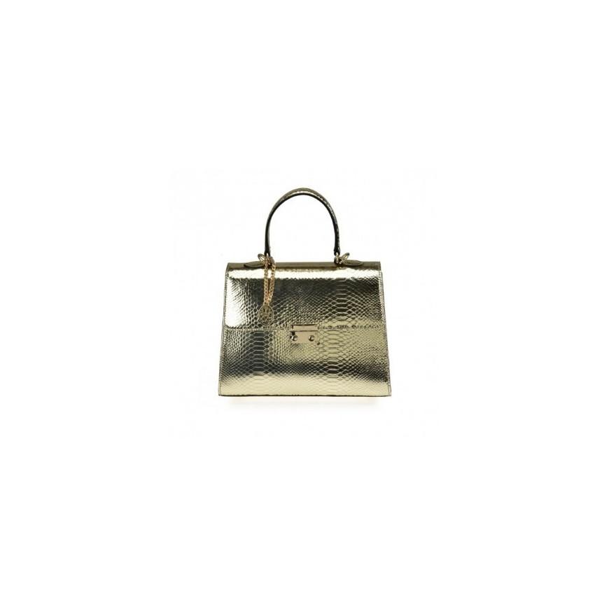 Cómo combinar tu bolso metalizado
